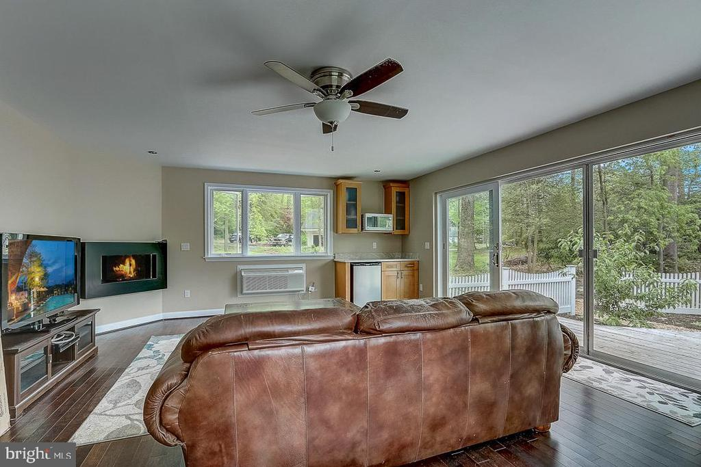 Guest suite or office with its own heat/ac! - 1735 WESTMORELAND TRL, ANNAPOLIS