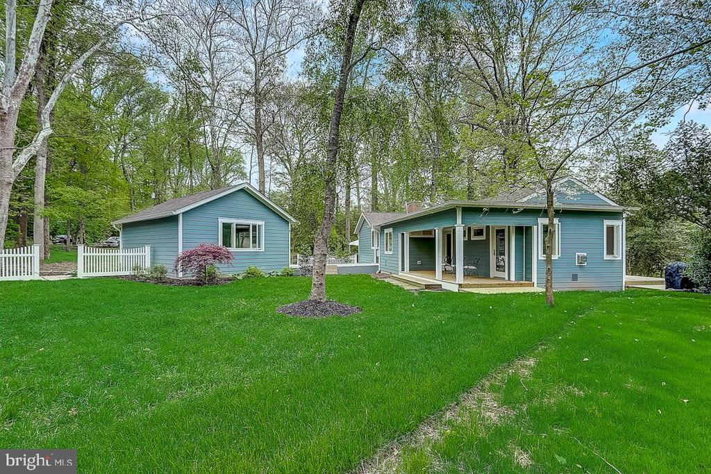 Your own compound! - 1735 WESTMORELAND TRL, ANNAPOLIS