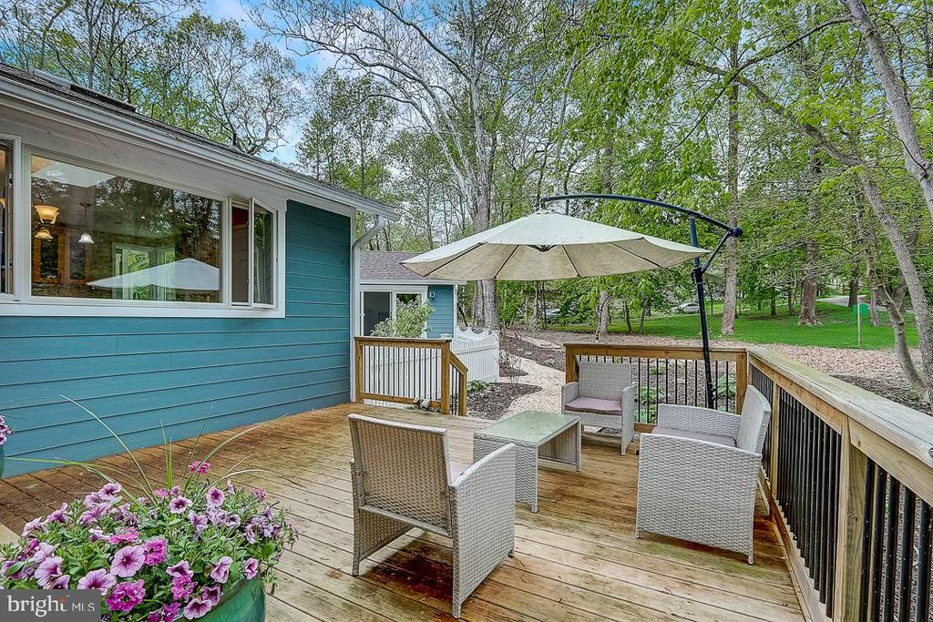 Patio seating off living area - 1735 WESTMORELAND TRL, ANNAPOLIS