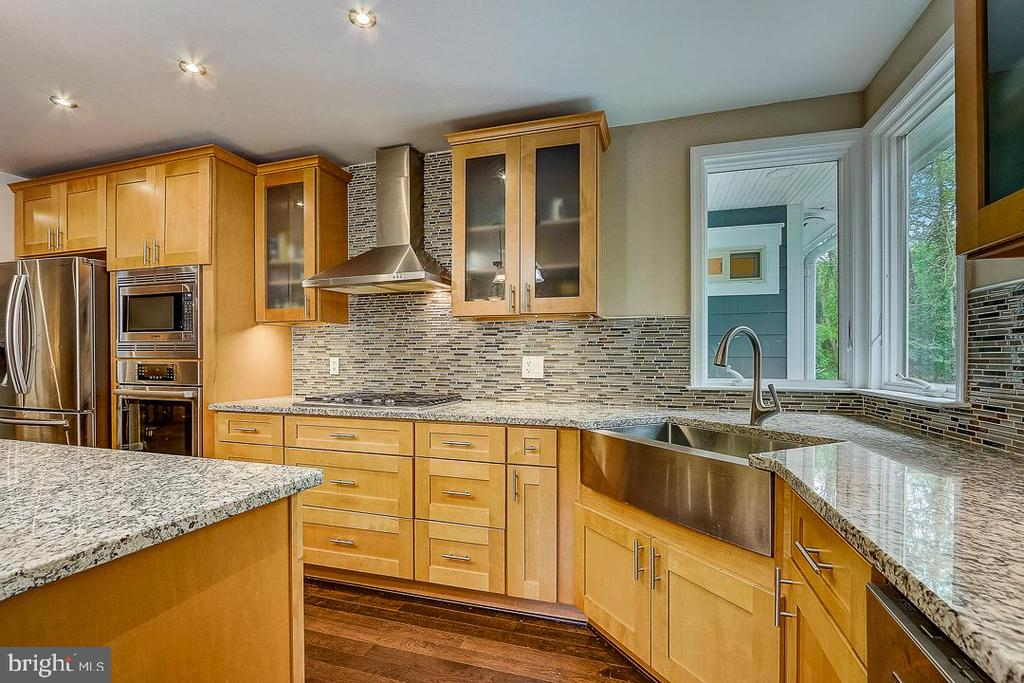 ABUNDANCE of Counter space & cabinets - 1735 WESTMORELAND TRL, ANNAPOLIS