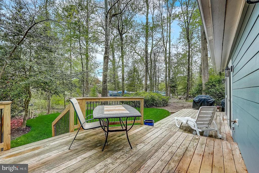 Sit and have breakfast, lunch or dinner outside - 1735 WESTMORELAND TRL, ANNAPOLIS