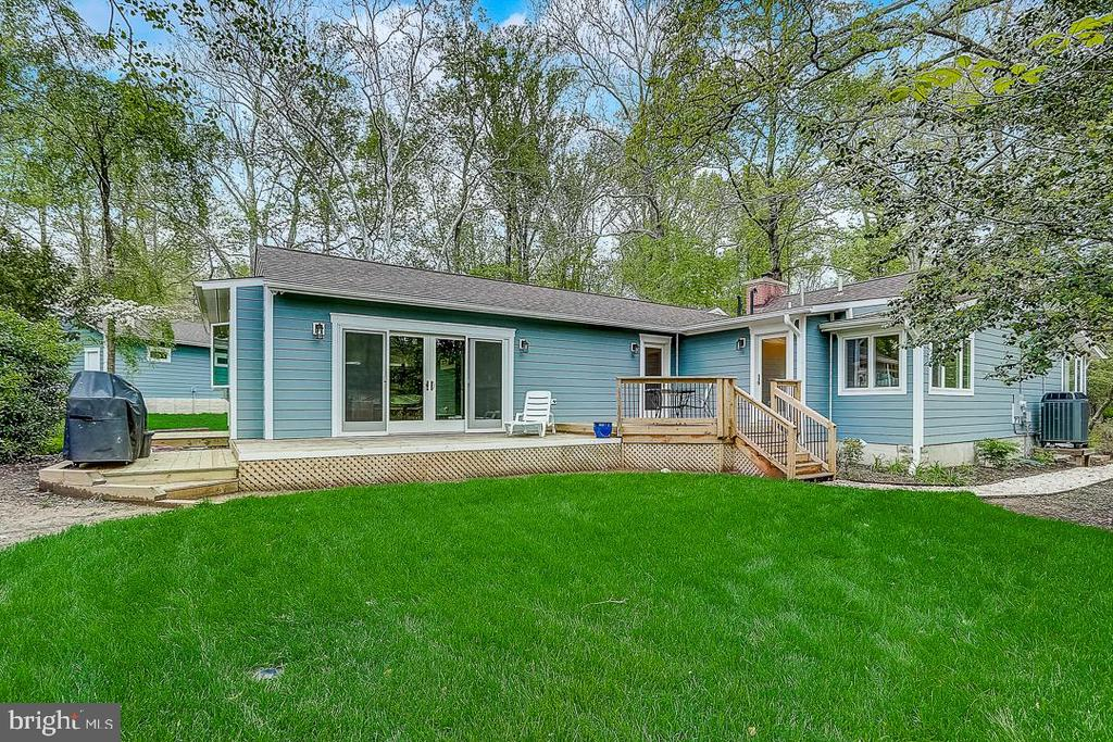 Newly added deck, walkout from Master - 1735 WESTMORELAND TRL, ANNAPOLIS