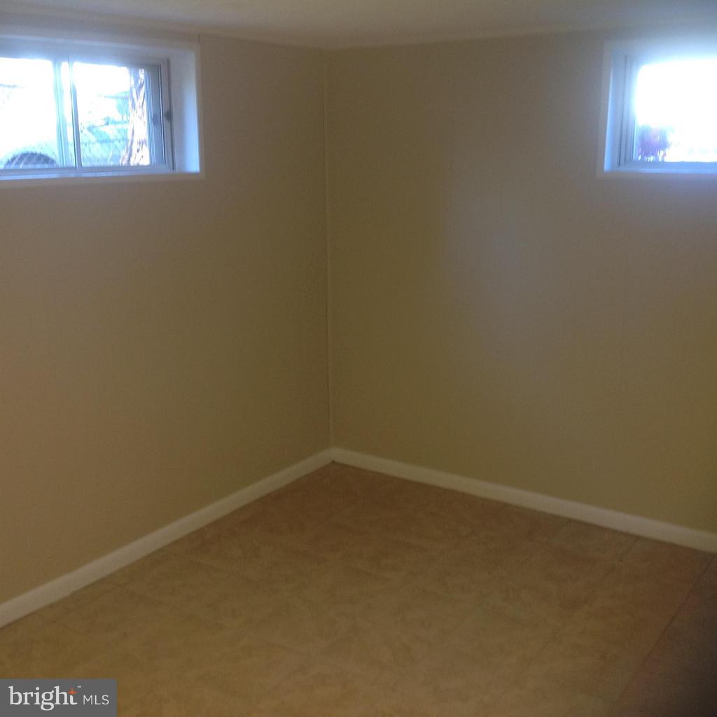 Lower Level Bedroom - 604 N EMERSON ST, ARLINGTON