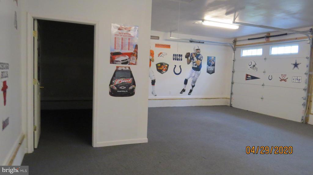 Storage area in garage - 22191 BERRY RUN RD, ORANGE