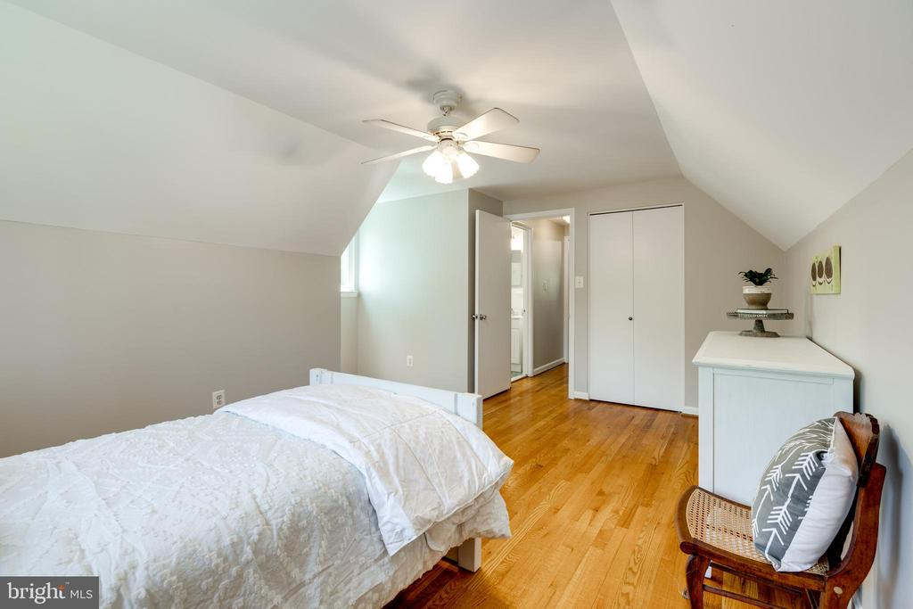 Bedrooms are large enough for queen beds - 5000 REGENCY PL, ALEXANDRIA