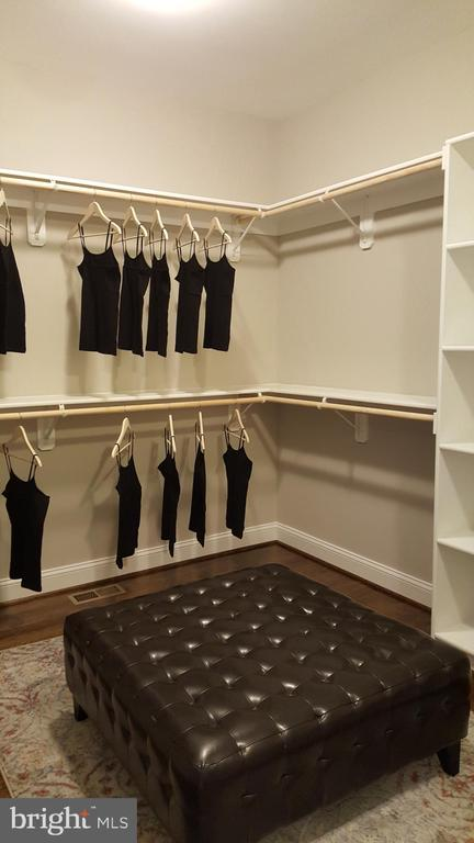 master closet - GRUVER GRADE, MIDDLETOWN