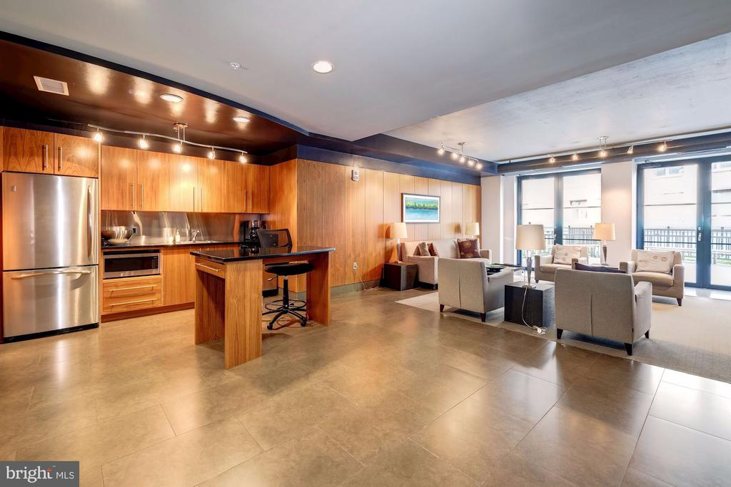Community Room with Outdoor Space - 1133 14TH ST NW #1211, WASHINGTON