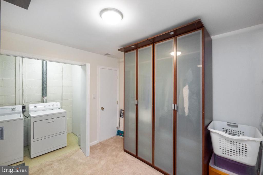 Laundry room - 4732 MASSACHUSETTS AVE NW, WASHINGTON