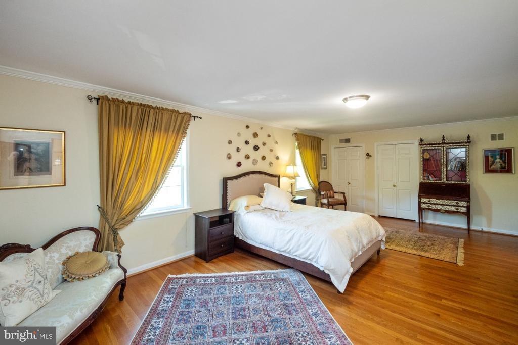Master bedroom w/ three closets - 4732 MASSACHUSETTS AVE NW, WASHINGTON