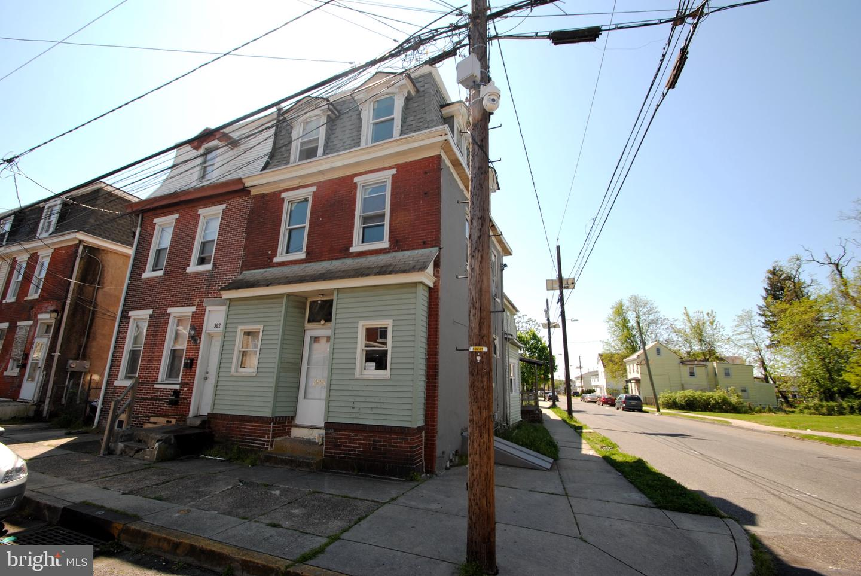 Duplex Homes vì Bán tại Burlington, New Jersey 08016 Hoa Kỳ
