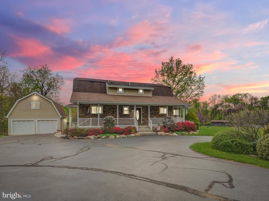 Beautiful and  Serene on 7.75 Acres Of  Land - 5917 WILD FLOWER CT, ROCKVILLE