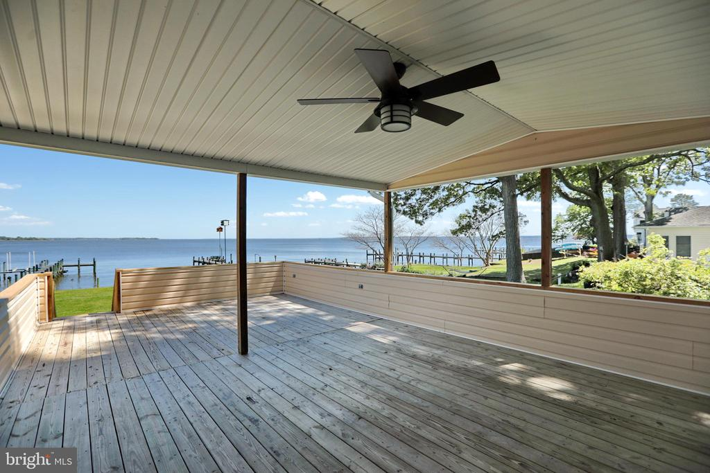 Relax with family and friends here what a view! - 18850 WICOMICO RIVER DR, COBB ISLAND
