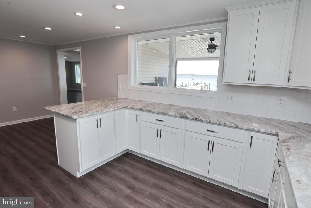 Clean, Bright, Timeless Colors in upgrades - 18850 WICOMICO RIVER DR, COBB ISLAND