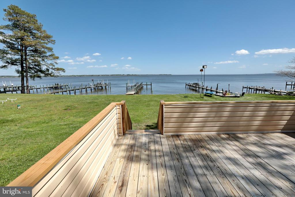 Good times are waiting to happen here! - 18850 WICOMICO RIVER DR, COBB ISLAND