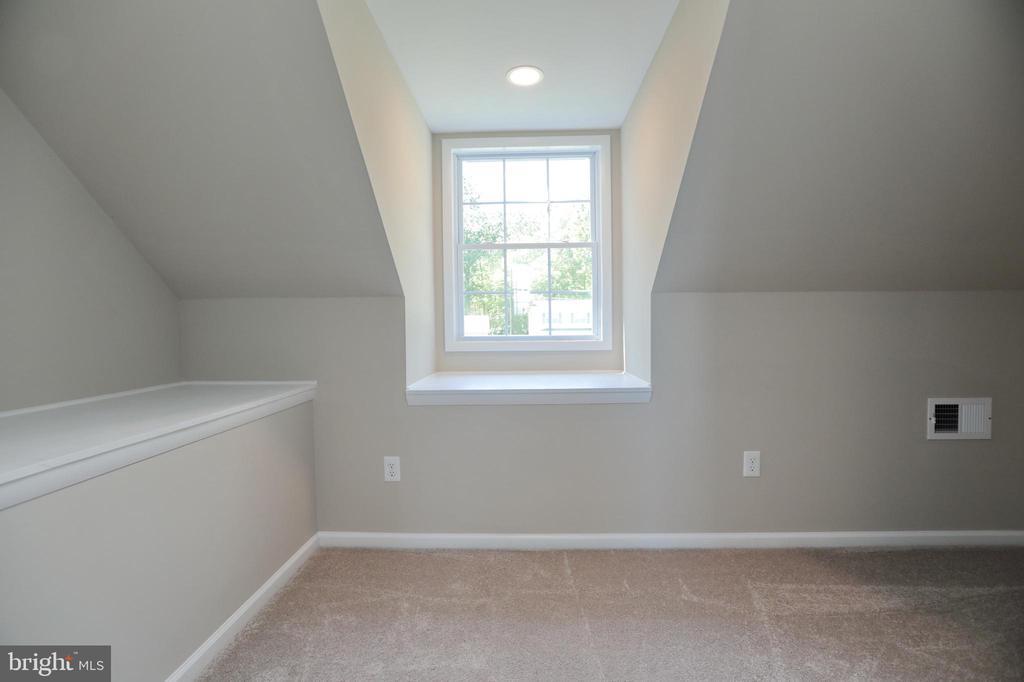 Bedroom #4 upstairs - 18850 WICOMICO RIVER DR, COBB ISLAND