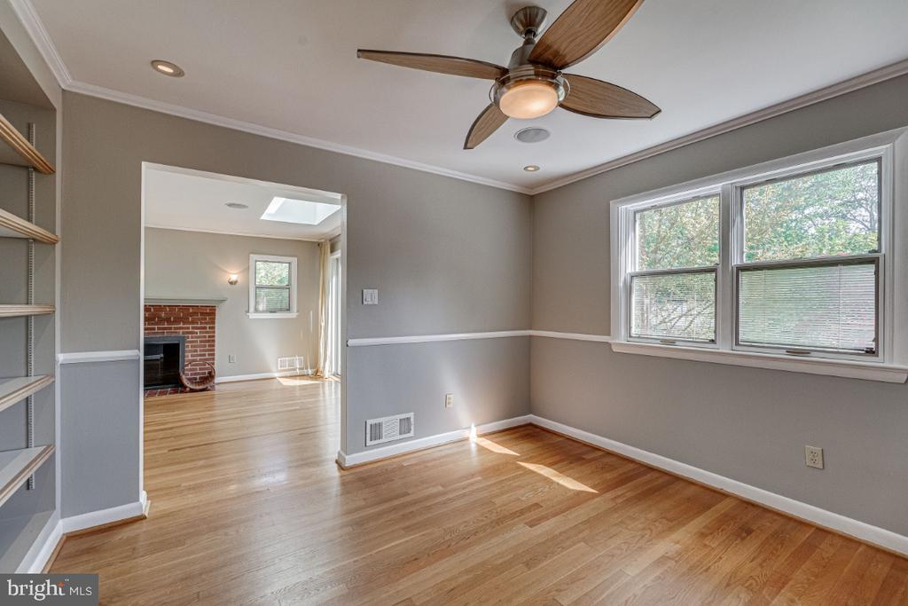 Dining Room leading to Living Room - 2710 N WYOMING ST, ARLINGTON