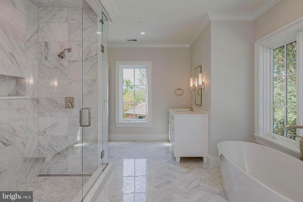 Owners Bath with heated floors - 2860 UNIVERSITY TER NW, WASHINGTON