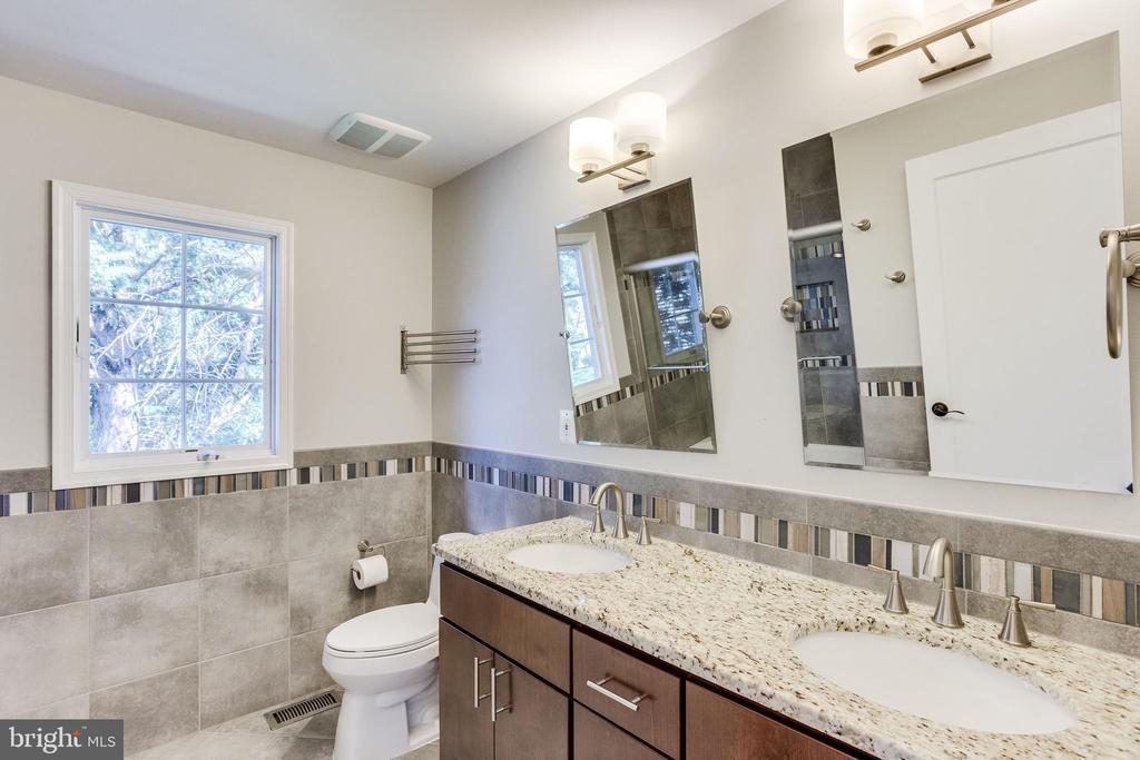 New Double Vanity Bathroom - 10811 CRIPPEN VALE CT, RESTON