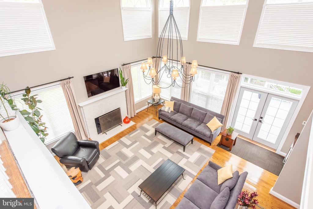 Overlooking Family Room - 5117 NORTHERN FENCES LN, COLUMBIA