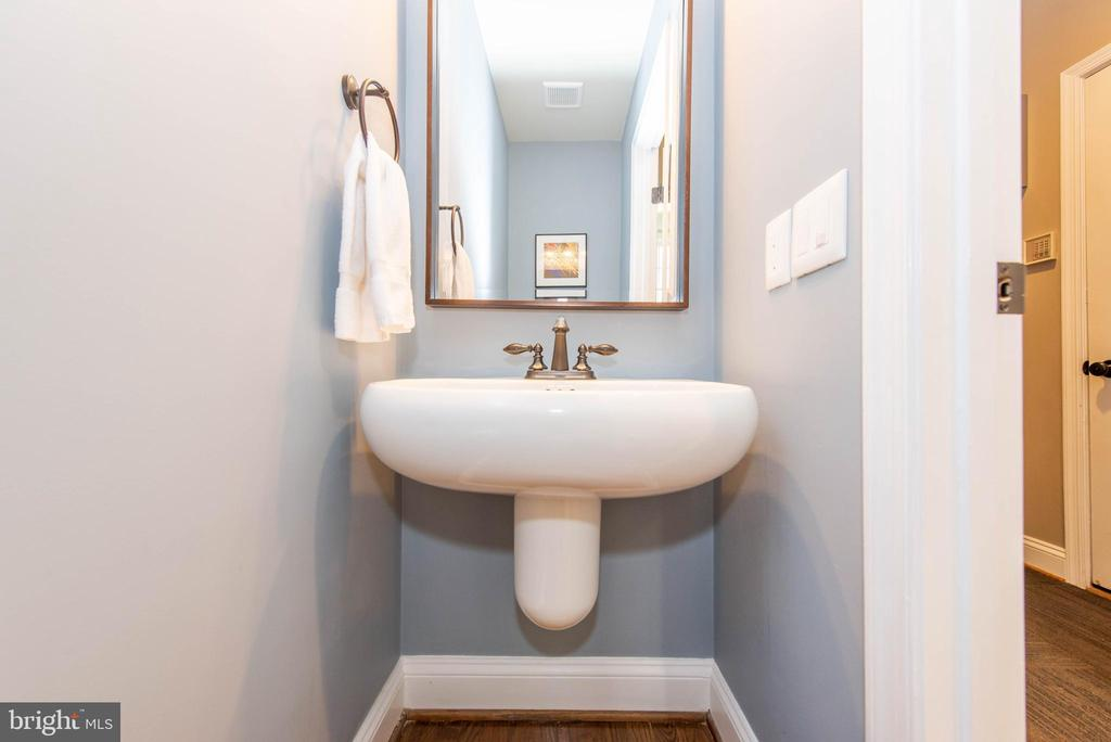 Powder Room - 5117 NORTHERN FENCES LN, COLUMBIA