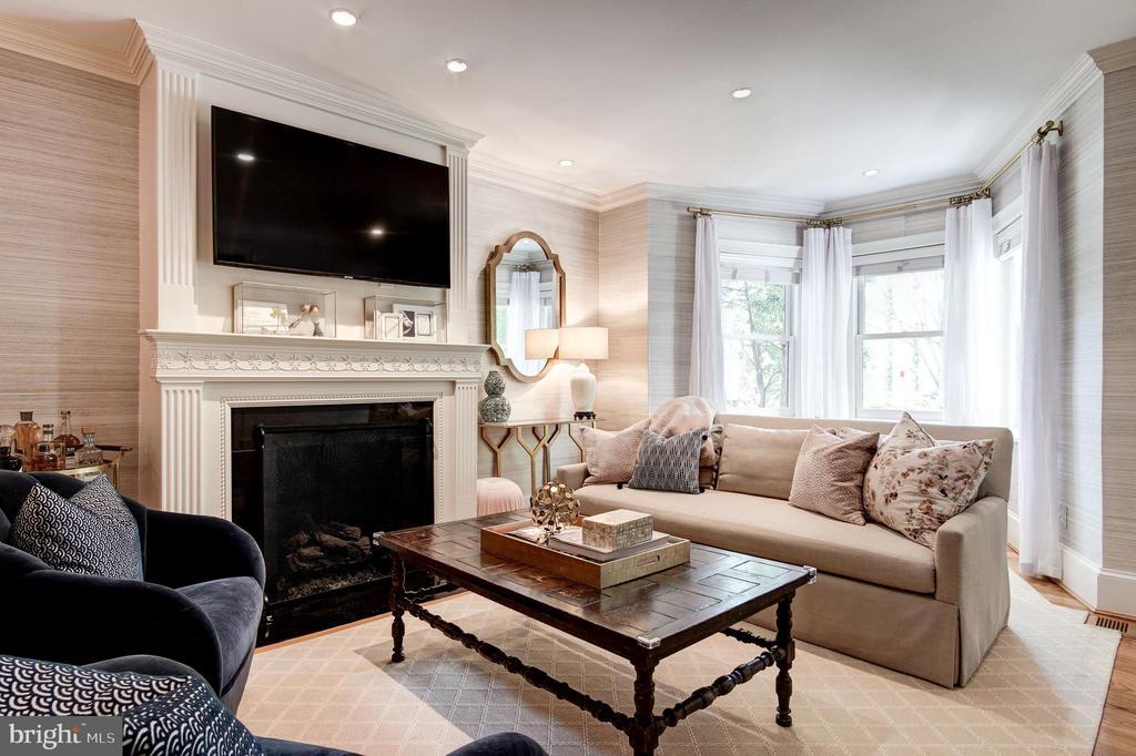 Living Room - 2805 Q ST NW, WASHINGTON