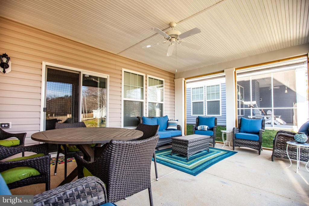 Screened in Patio - 7107 HOLLY BERRY LN, FREDERICKSBURG