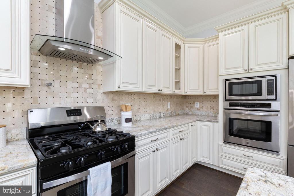Kitchen - 6564 EDSALL RD, ALEXANDRIA