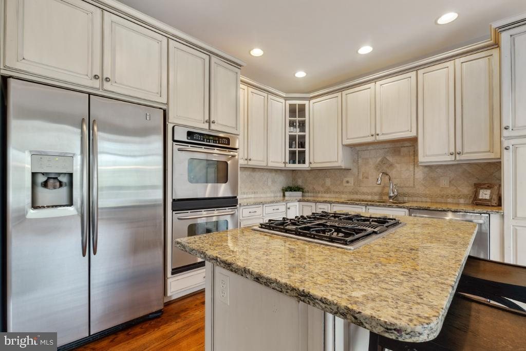 Stainless Steel Appliances - 43392 FRENCHMANS CREEK TER, ASHBURN
