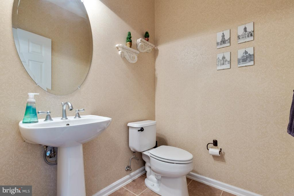 Half Bathroom on the Main Level - 43392 FRENCHMANS CREEK TER, ASHBURN