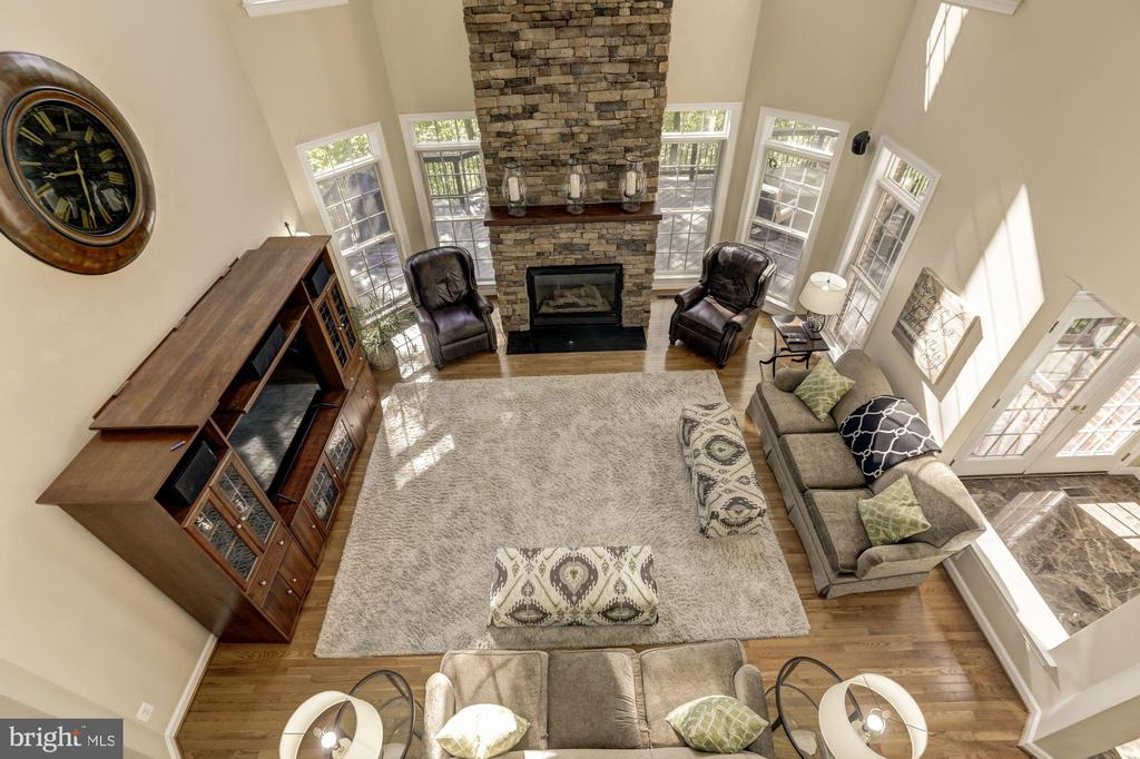 2 story family room - 43285 OVERVIEW PL, LEESBURG