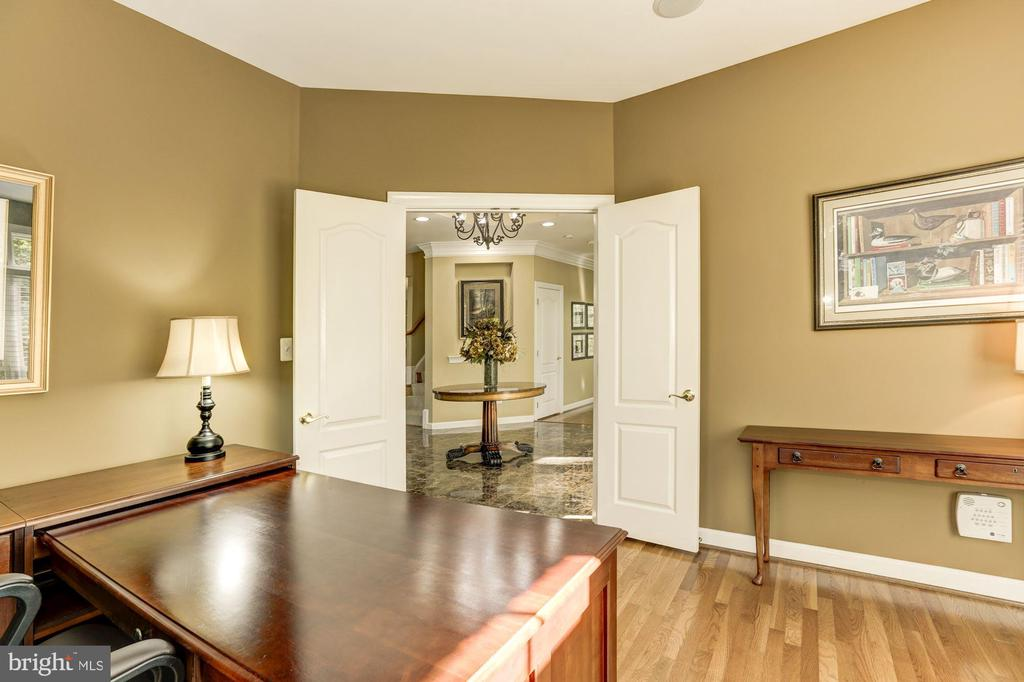 Office into back foyer with double doors - 43285 OVERVIEW PL, LEESBURG