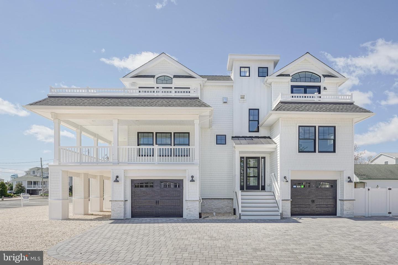 Single Family Homes 为 销售 在 Ship Bottom, 新泽西州 08008 美国