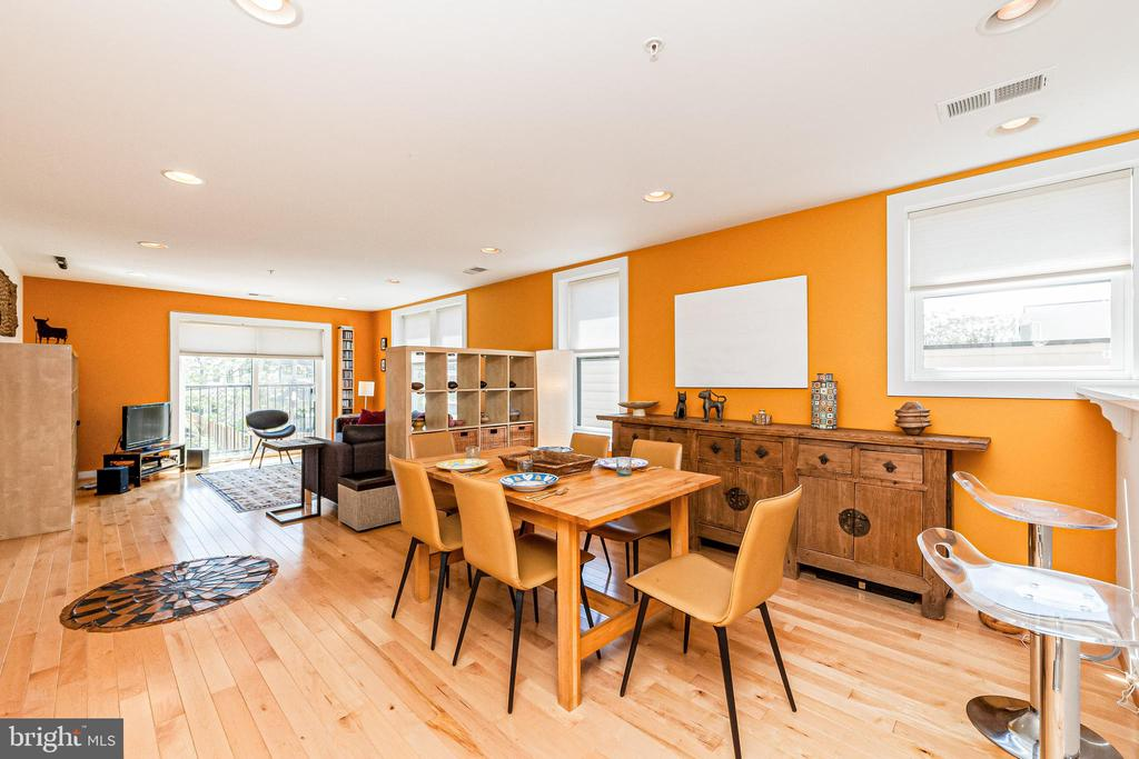 Fantastic for entertaining - 732 LAMONT ST NW #303, WASHINGTON
