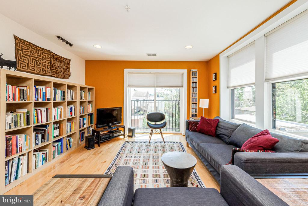 Amazing light-filled space - 732 LAMONT ST NW #303, WASHINGTON