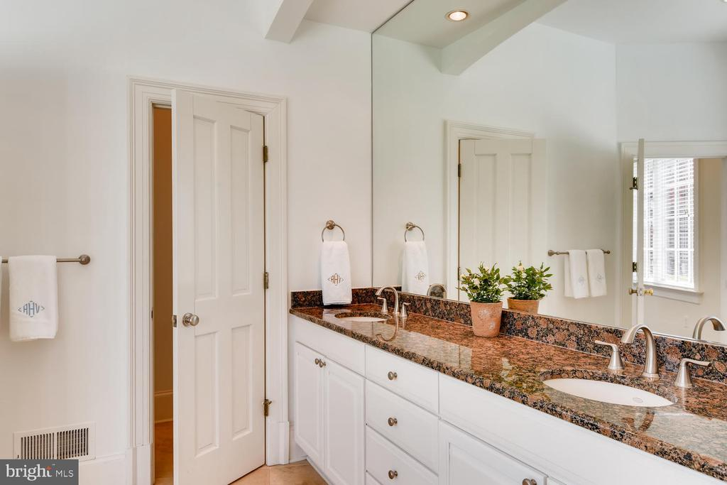 Master Bath with two sinks; water closet - 2200 GADD RD, COCKEYSVILLE