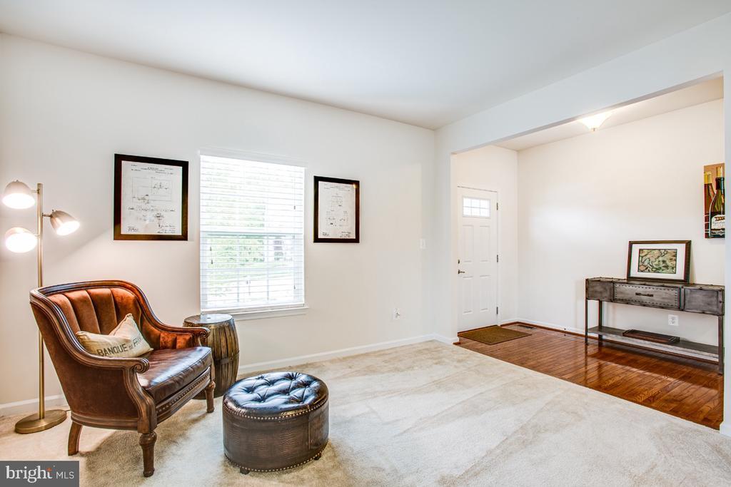 Formal Living Room - 5 FIREHAWK DR, STAFFORD