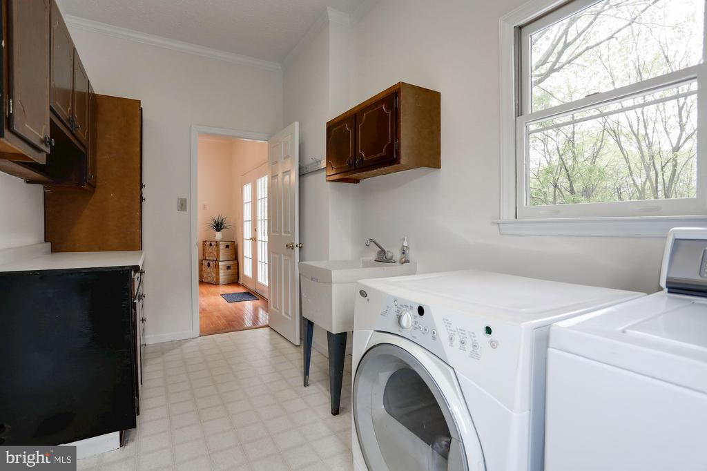 Laundry Room - 6208 VALLEY VIEW DR, ALEXANDRIA
