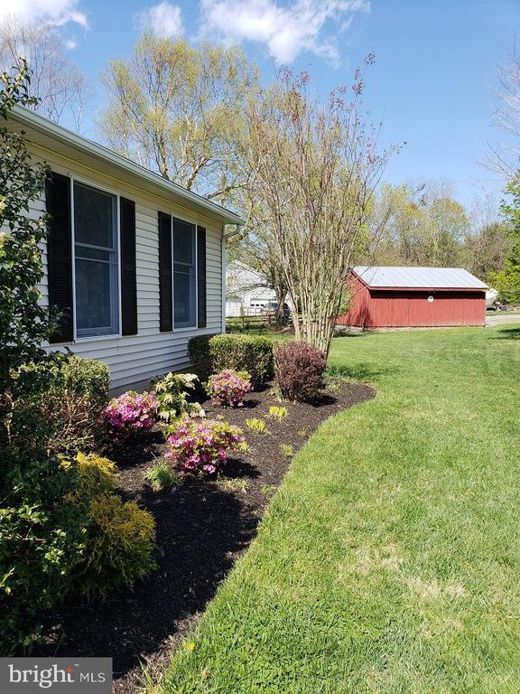 Landscaped Front view to Red Barn - 11629 DUTCHMANS CREEK RD, LOVETTSVILLE