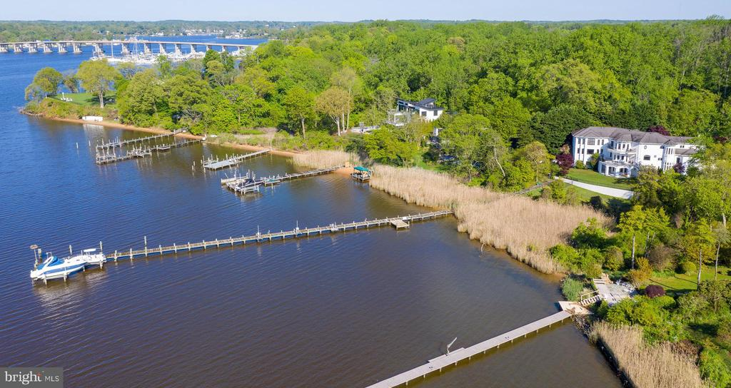 Deep water pier on South River & private beach - 3 DEEPWATER CT, EDGEWATER
