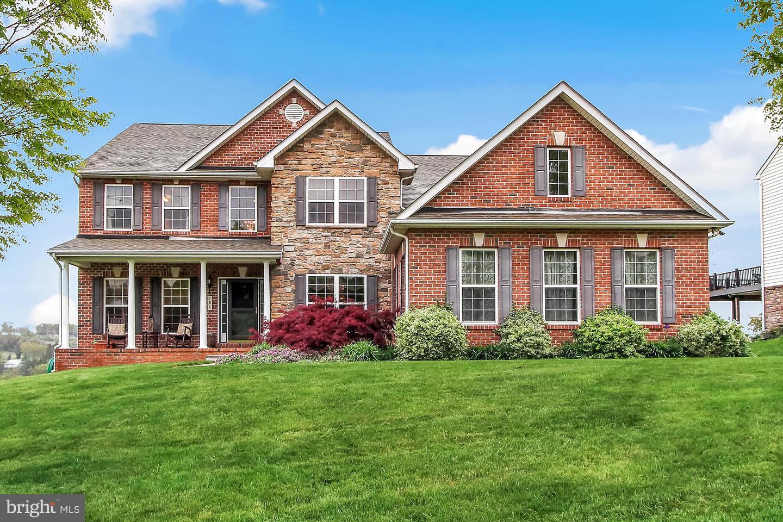 Single Family Homes för Försäljning vid Glen Rock, Pennsylvania 17327 Förenta staterna