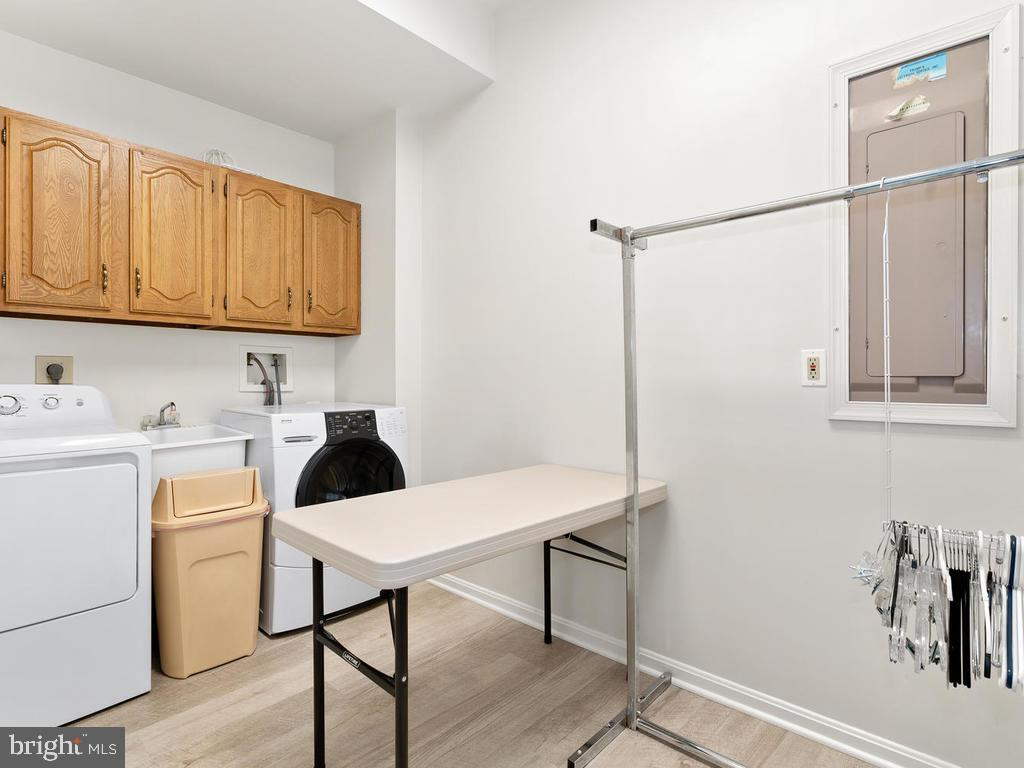 Laundry Room (Optional main lvl laundry also) - 1281 AUBURN GROVE LN, RESTON