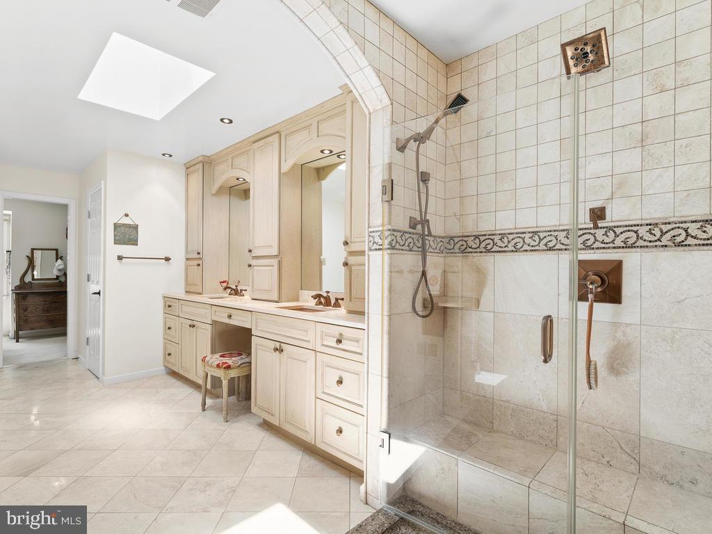 Incredible  spa shower! - 1281 AUBURN GROVE LN, RESTON