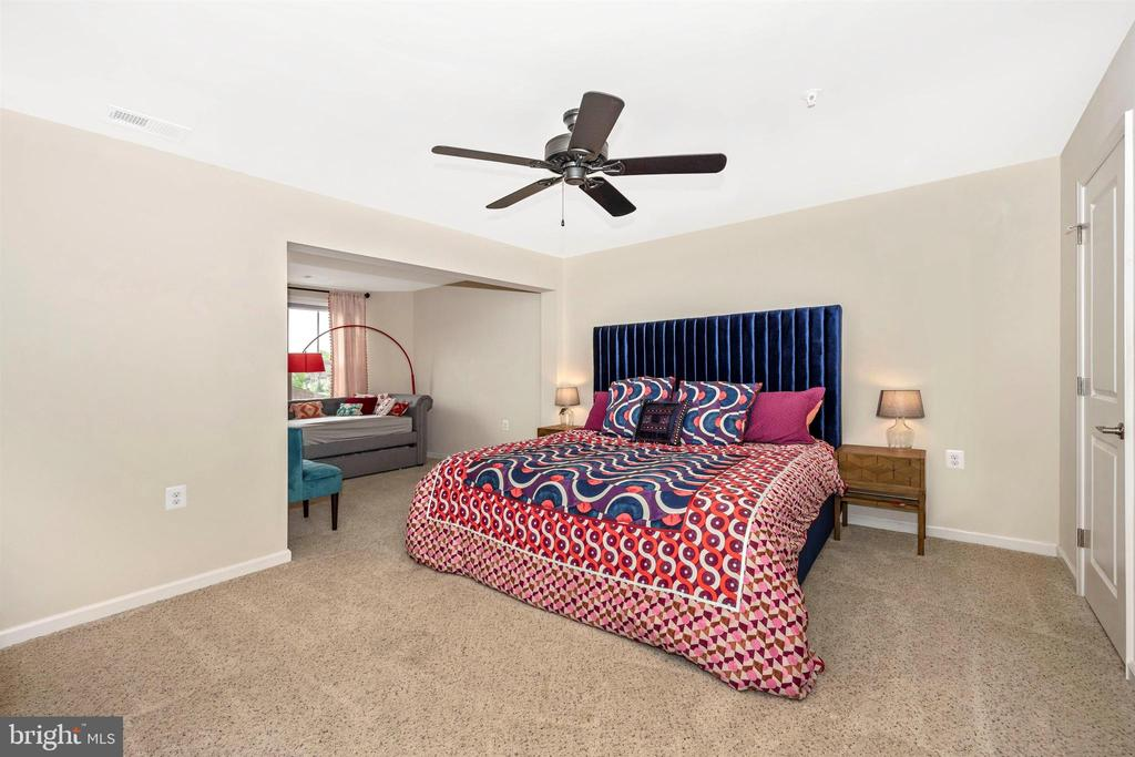 Huge Upper Level Bedrooms - Bedroom 3 - 3026 OLD ANNAPOLIS TRL, FREDERICK