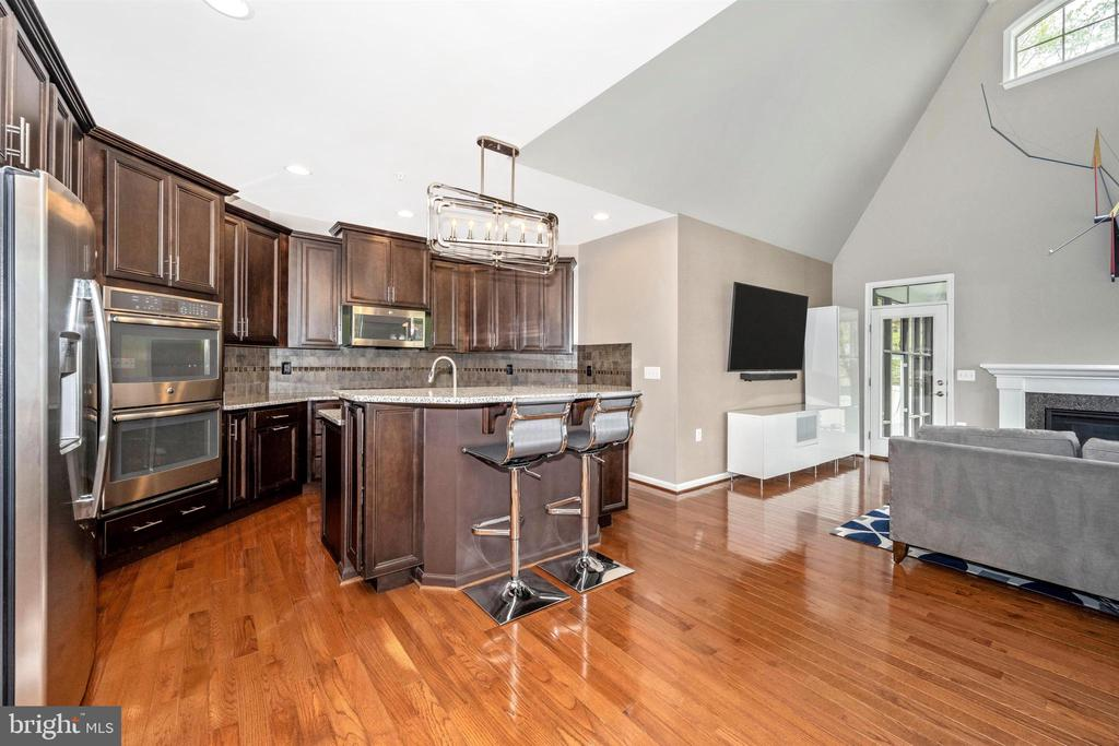 Amazing Gourmet Kitchen - Opens to Great Room - 3026 OLD ANNAPOLIS TRL, FREDERICK