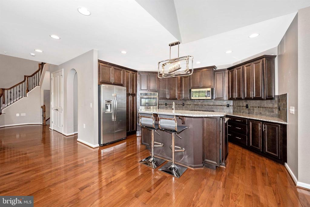 Gourmet Kitchen with Center Island - 3026 OLD ANNAPOLIS TRL, FREDERICK