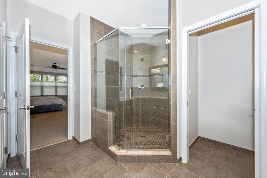 Mast Bath with Over-Sized Shower - 3026 OLD ANNAPOLIS TRL, FREDERICK