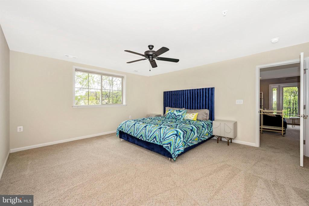 Huge Upper Level Bedrooms - Bedroom 2 - 3026 OLD ANNAPOLIS TRL, FREDERICK