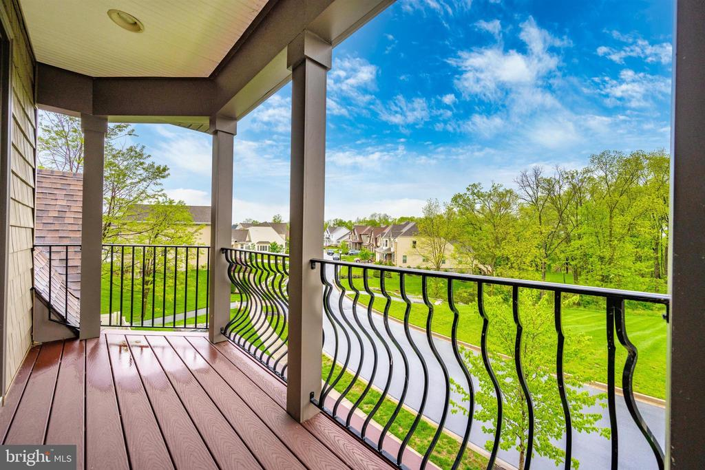 Loft Balcony with Peaceful Views - 3026 OLD ANNAPOLIS TRL, FREDERICK
