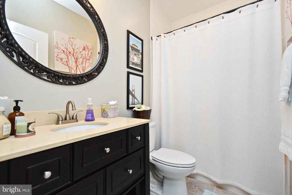 Lower Level Full Hall Bathroom - 10920 RAVENWOOD DR, MANASSAS