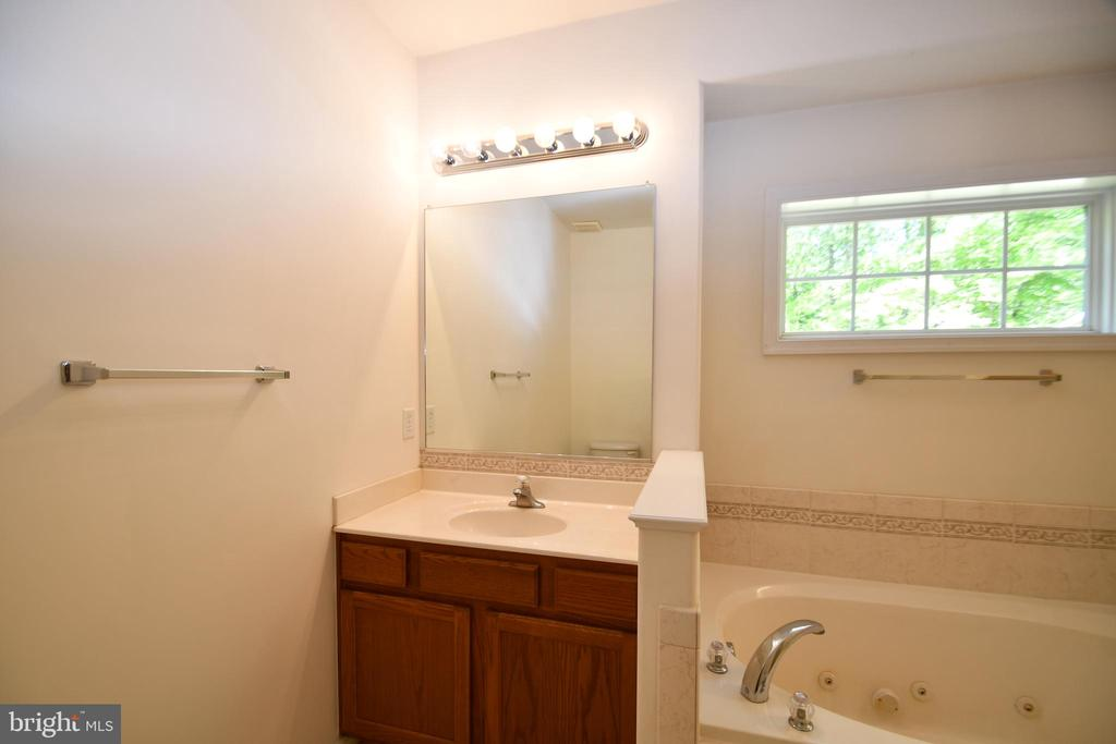 Master Bath Vanity - 79 MILLBROOK RD, STAFFORD